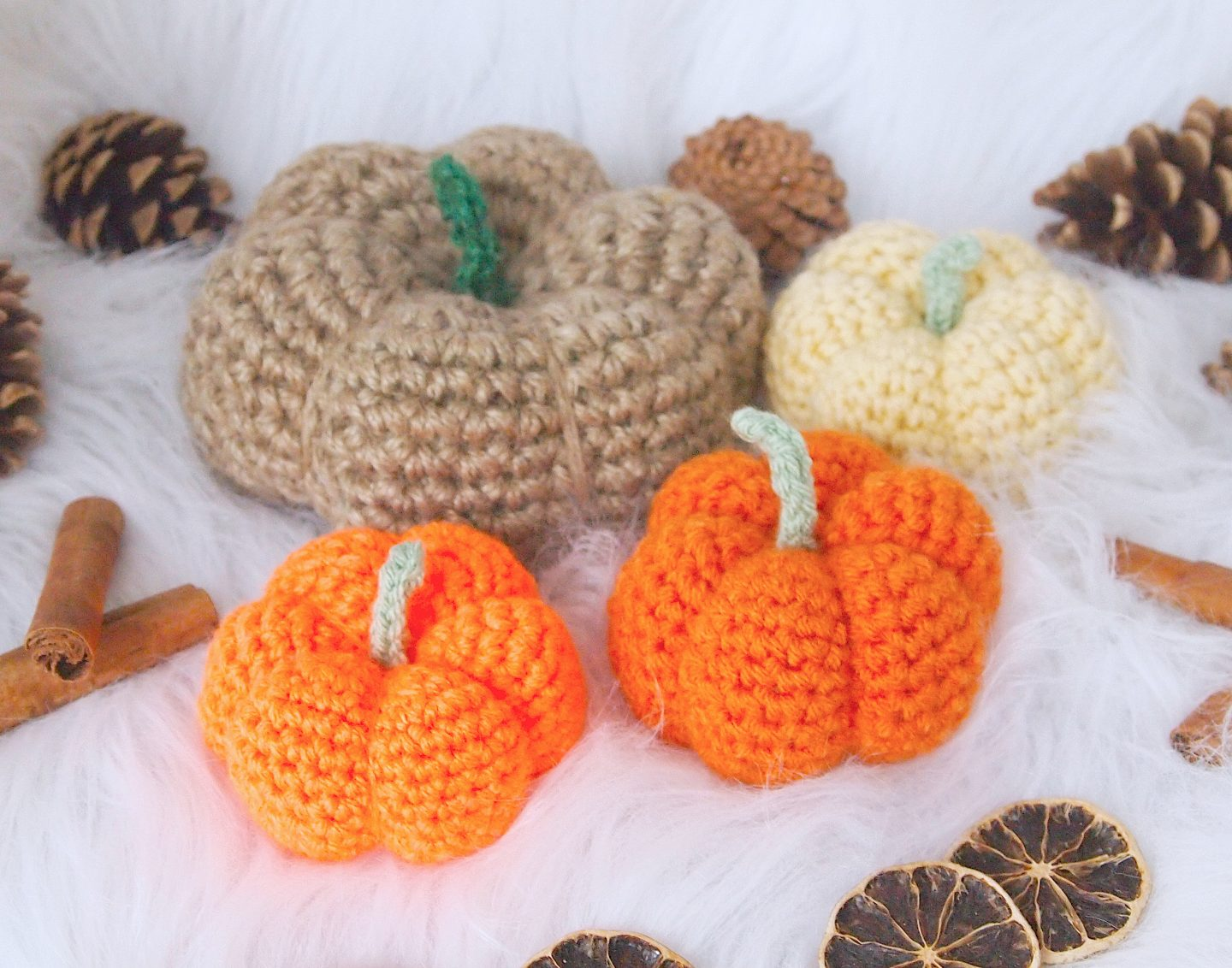 finished jute and wool pumpkin for crochet pumkin tutorial