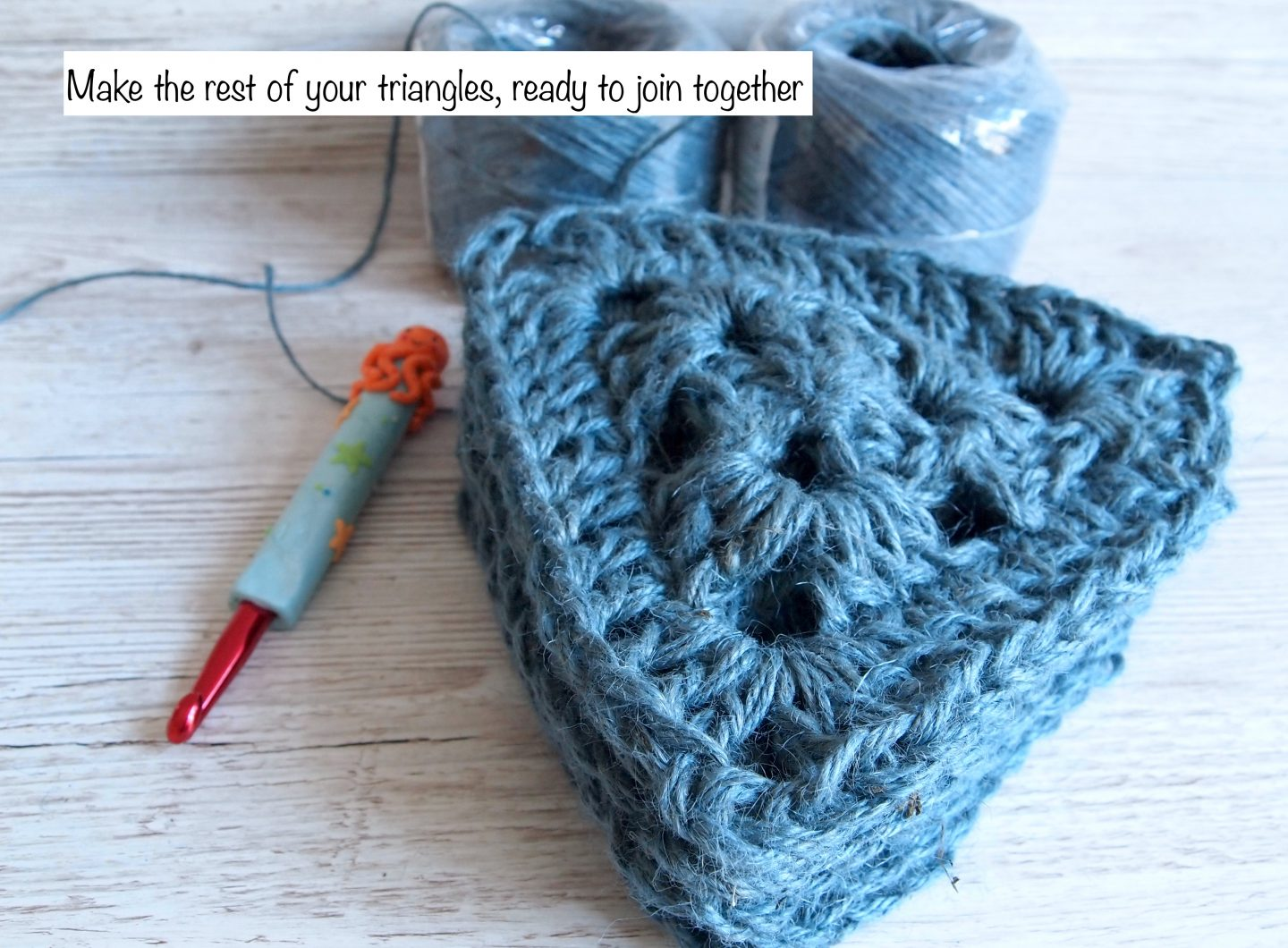 joining crochet bunting together