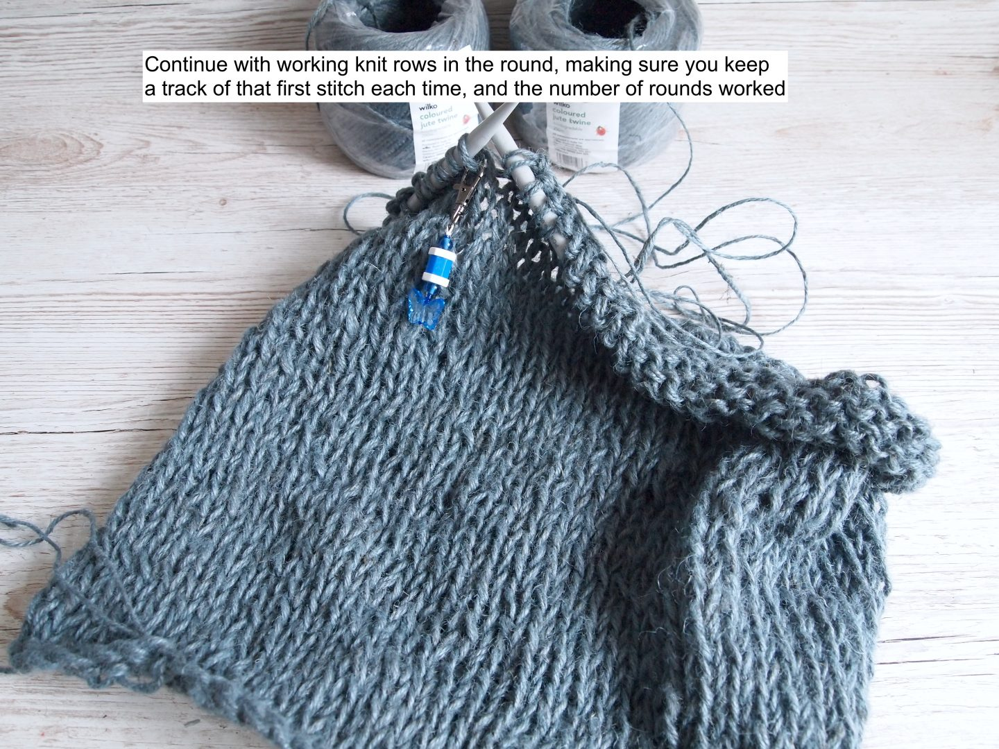 working in rounds with knitting