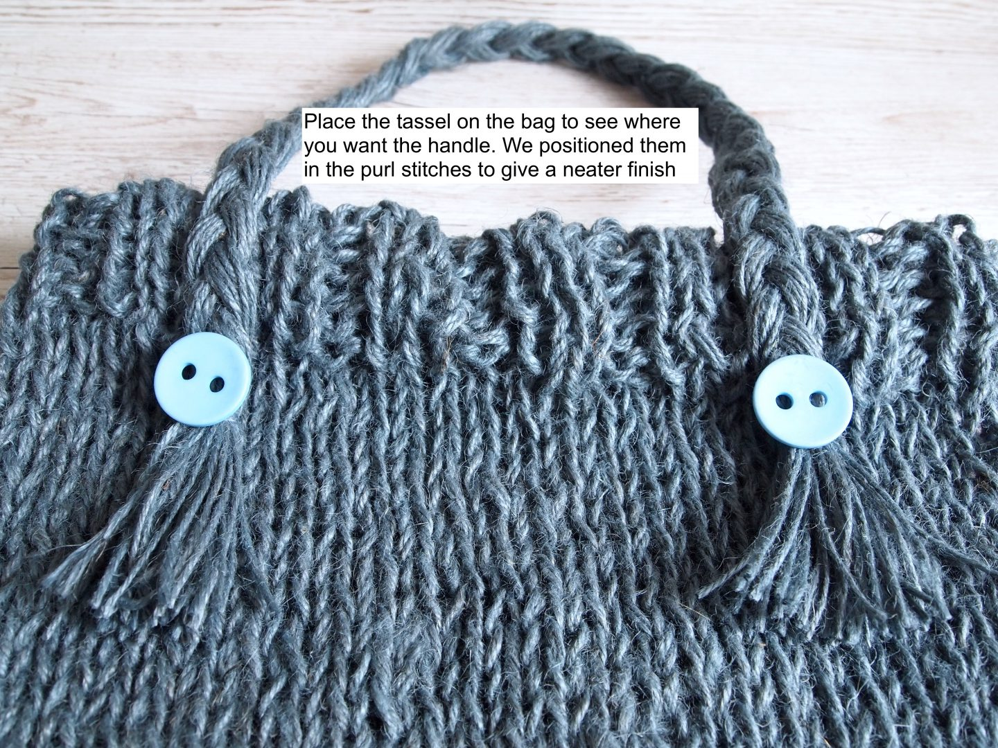 making handles for knitted bag