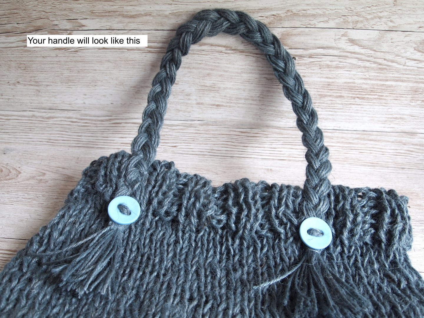 adding handles for knitted bag