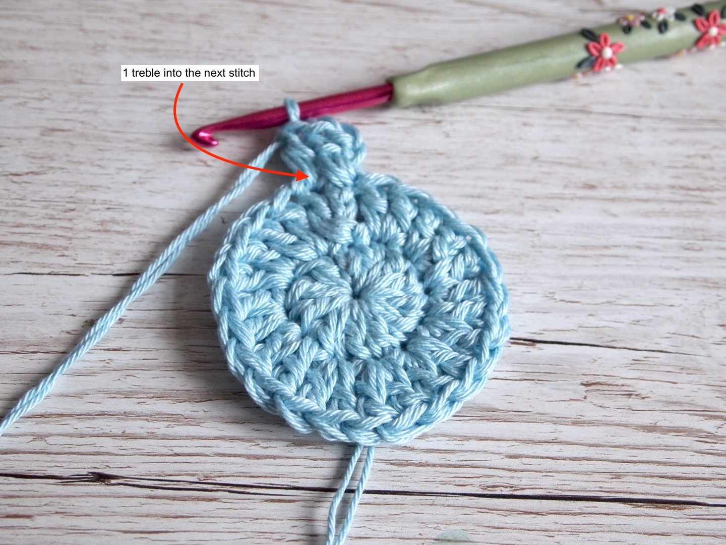 working in rounds for crochet face pad tutorial