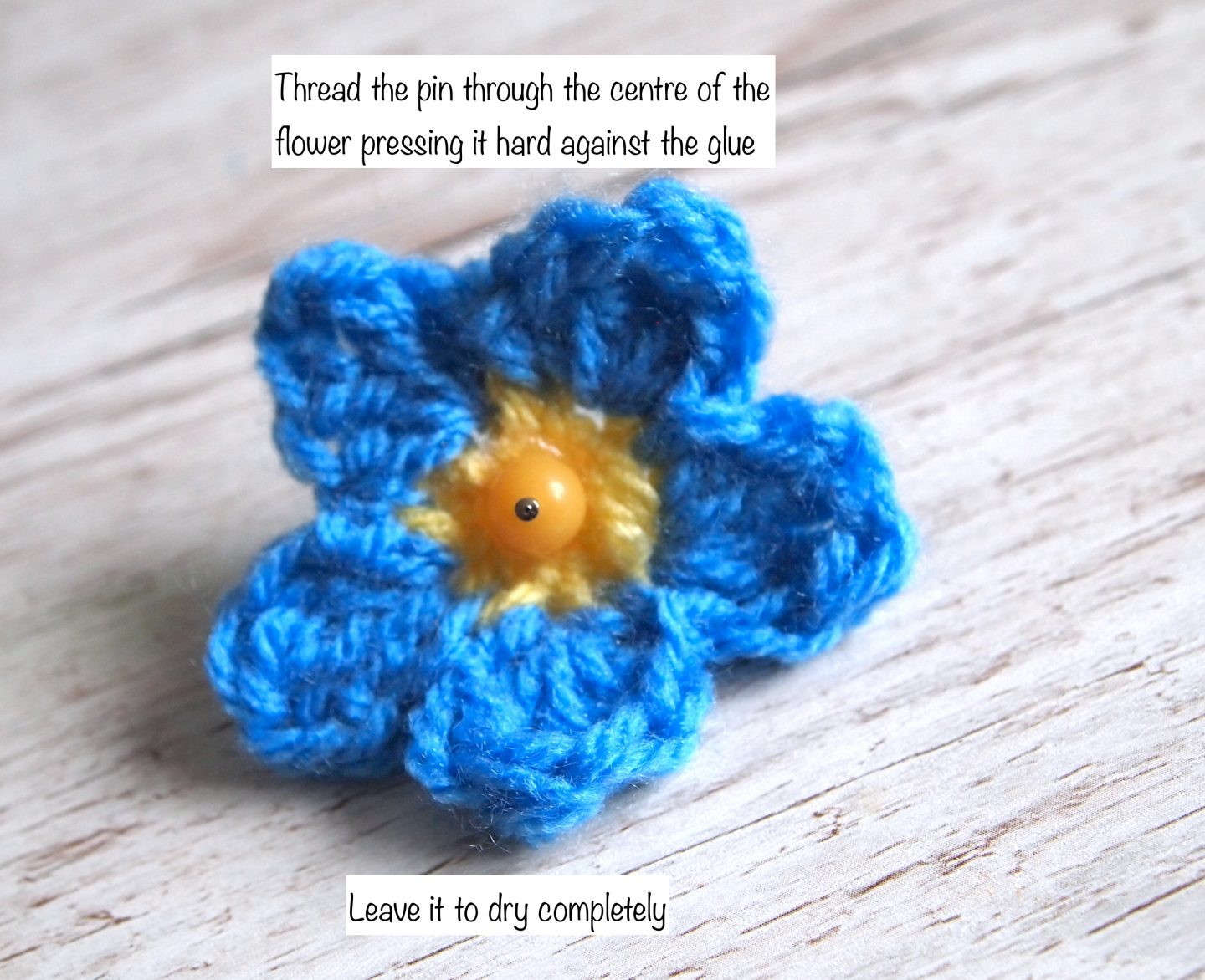 assembling the forget me not crochet wreath