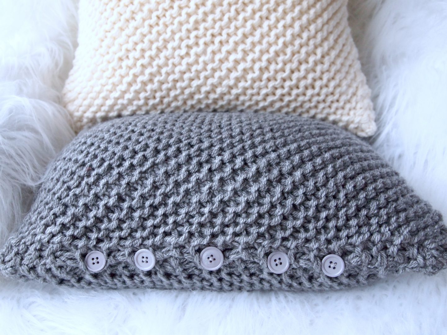 How to Make a Chunky Knit Pillow Cover